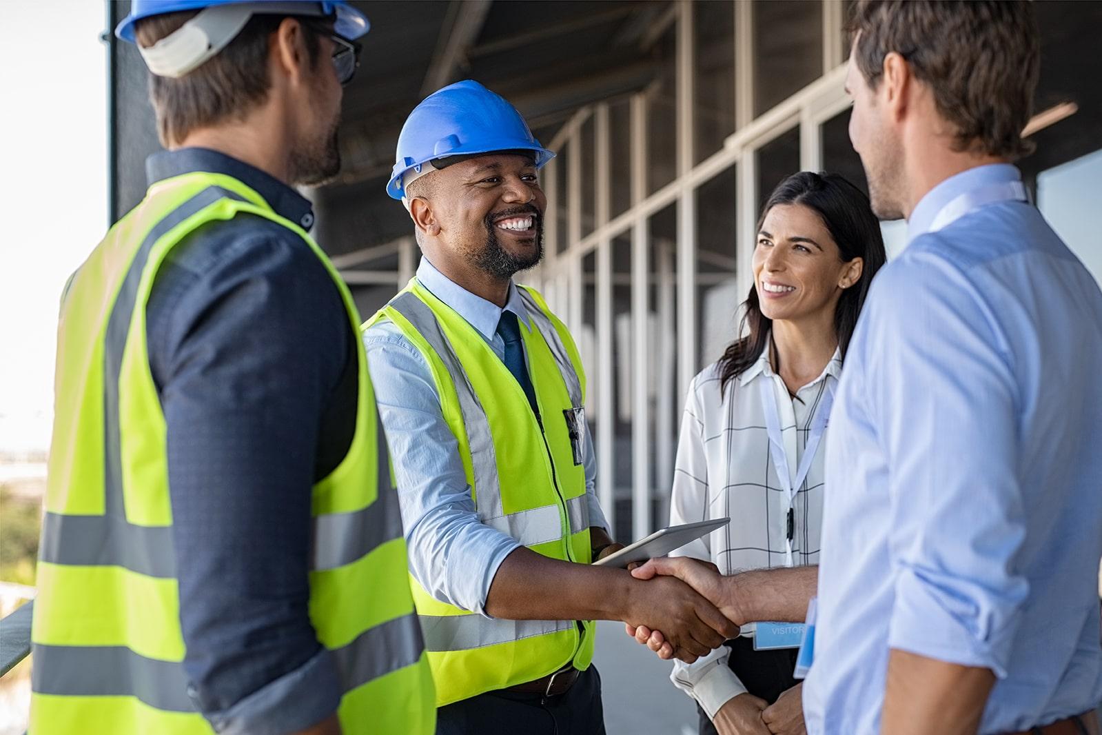 建設業界で働く外国人労働者たち