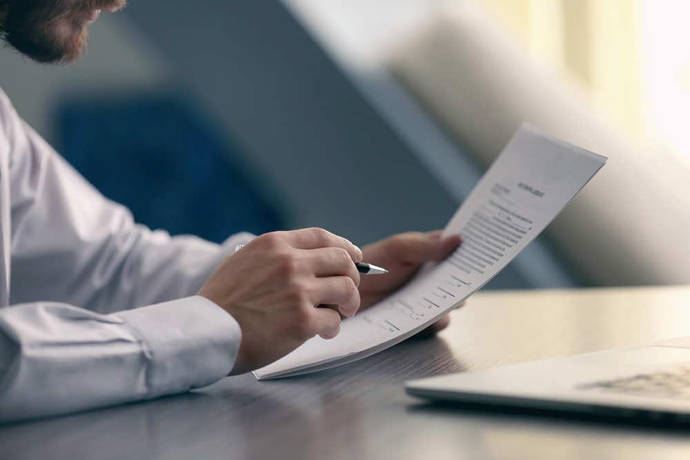 「外国人雇用状況の届出」が義務化〜届け出方法と注意点〜